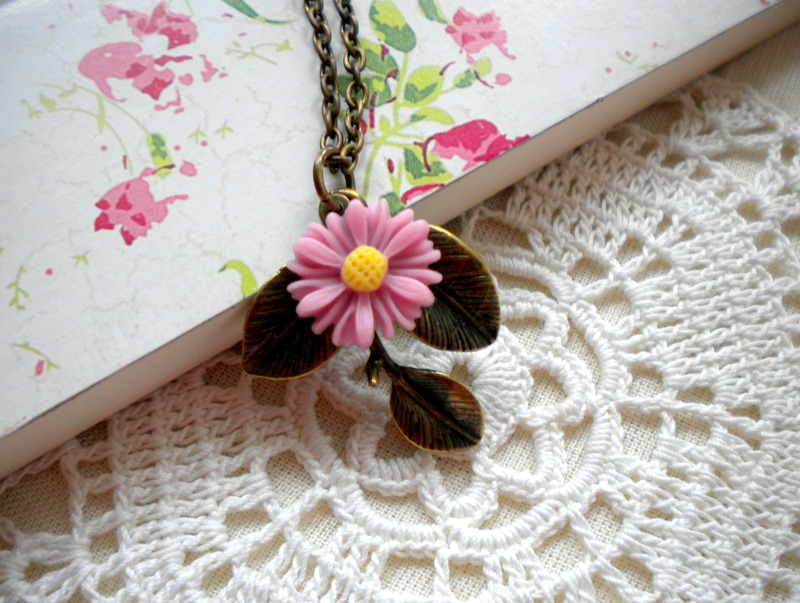 Leaf Necklace - Sun Flower Necklace - Vintage Pink Necklace