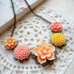 Flower Necklace - Peach Yellow Flower Cabochon Necklace - Vintage Necklace - Bridesmaid necklace